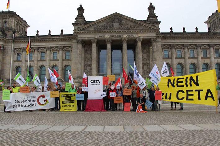 Aktion vor dem Deutschen Bundestag
